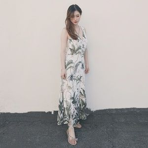 H&M Dresses - H&M vacation dress